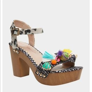 Betsy Johnson   tassel and sea shell heels